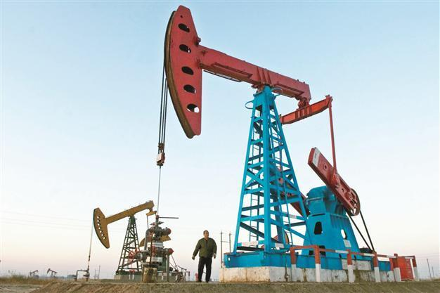 Kuwait spares $100 bln for five-year oil projects - Latest News