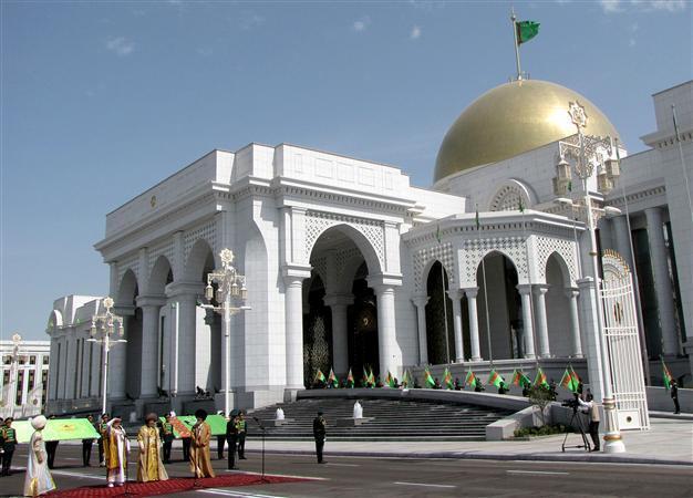 Turkmenistan Rebuilds Capital Into Marble White City