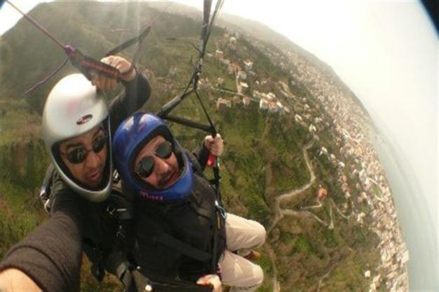 Turkish mayor falls while paragliding - Turkey News