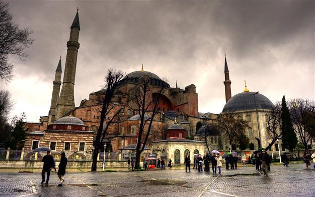 Ottoman Mosques Hide Riches Inside