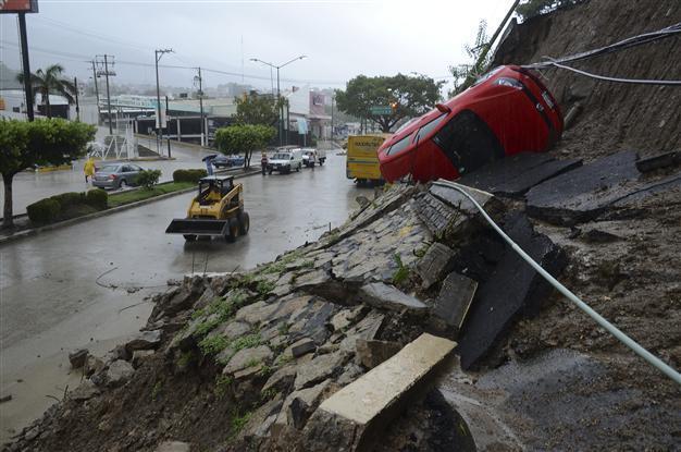 hurricane manuel acapulco mexico