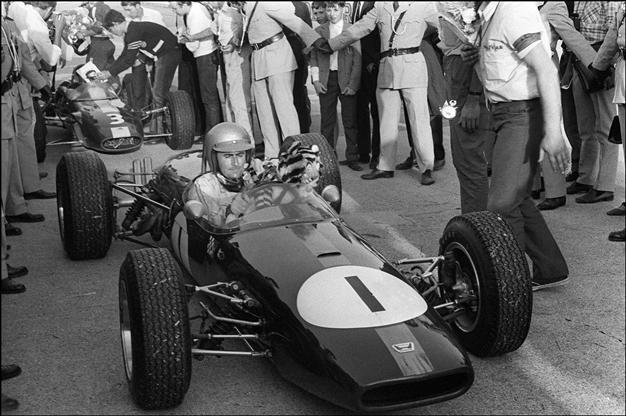 F1 legend Sir Jack Brabham dead at 88 - Turkish News