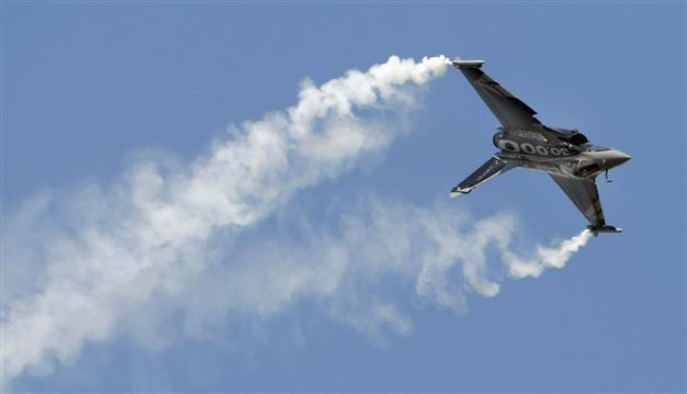 France and Qatar seal $7 bln Rafale fighter jet deal - World News