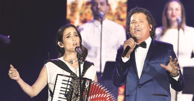 Latin music world honors Roberto Carlos
