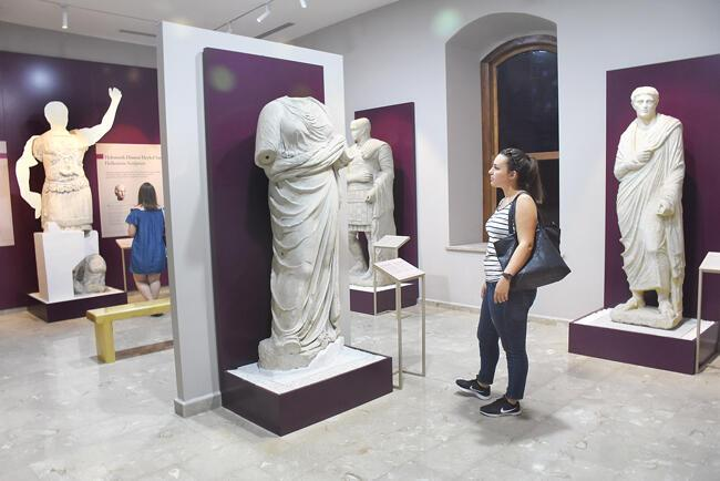 Coincidental Artifacts Draw Tourists Interest