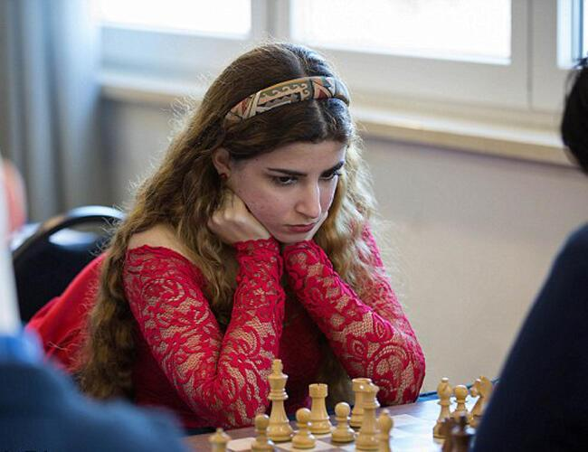 Iranian chess champion switches allegiances after being