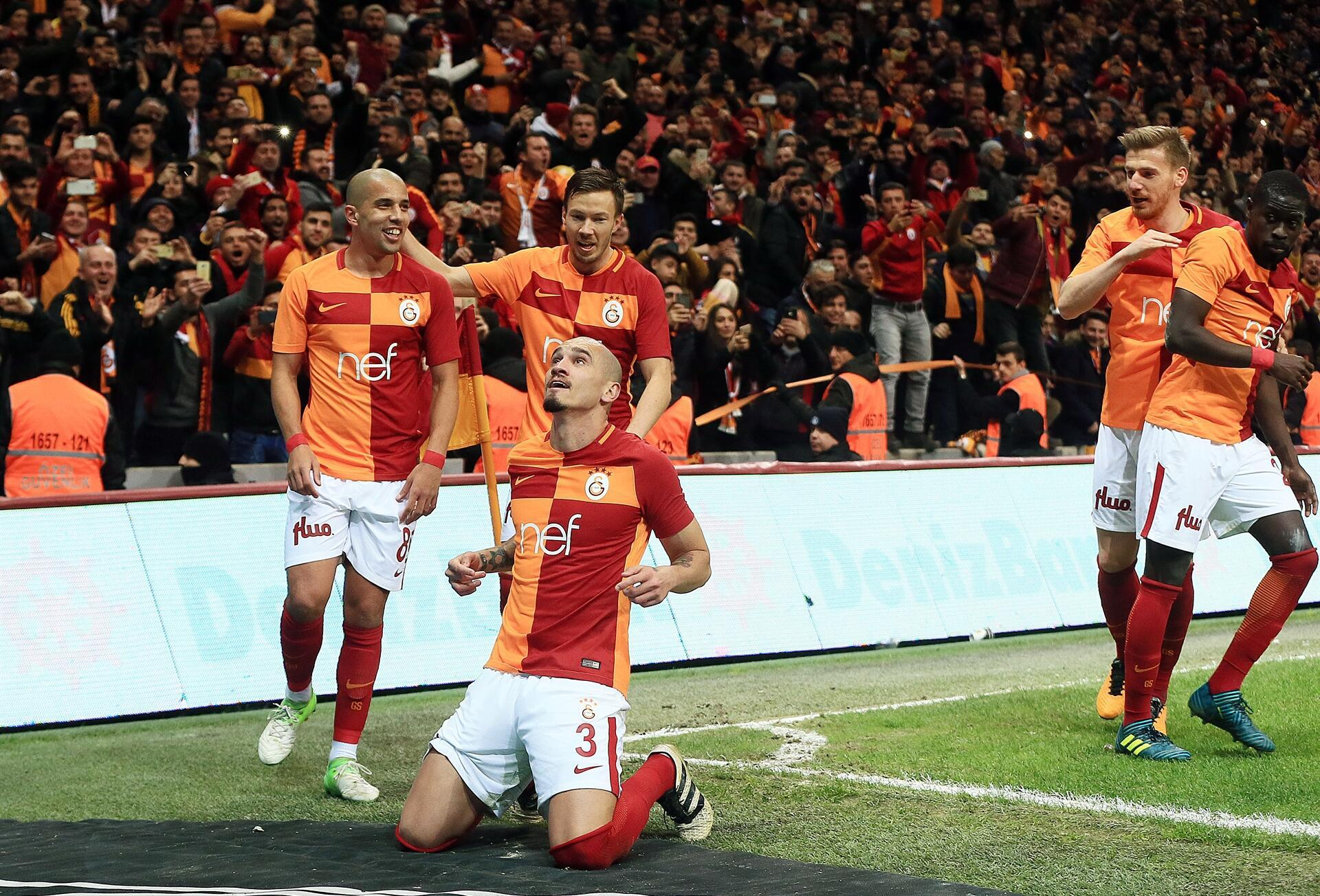 Galatasaray Wins To Remain In Race In Terim Reunion