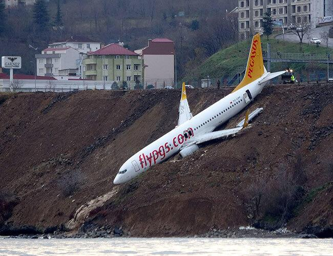 pilots blame motor failure for plane skidding off runway in turkey s