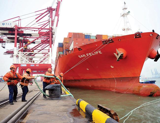 US pressing China to cut trade surplus by $100 bln: White House
