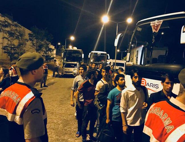 324 Afghan migrants deported from Turkey