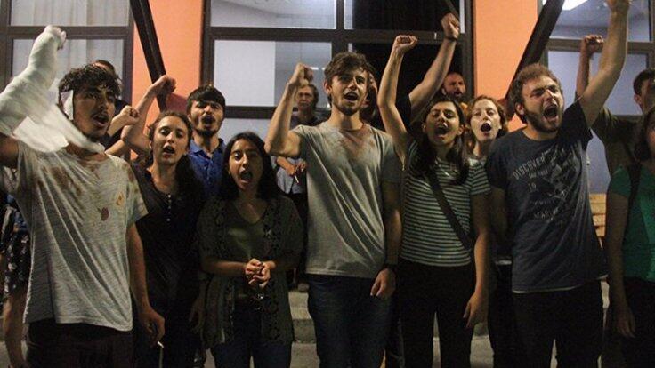 Стамбульская полиция задержала старшеклассников, протестовавших против нынешнего режима