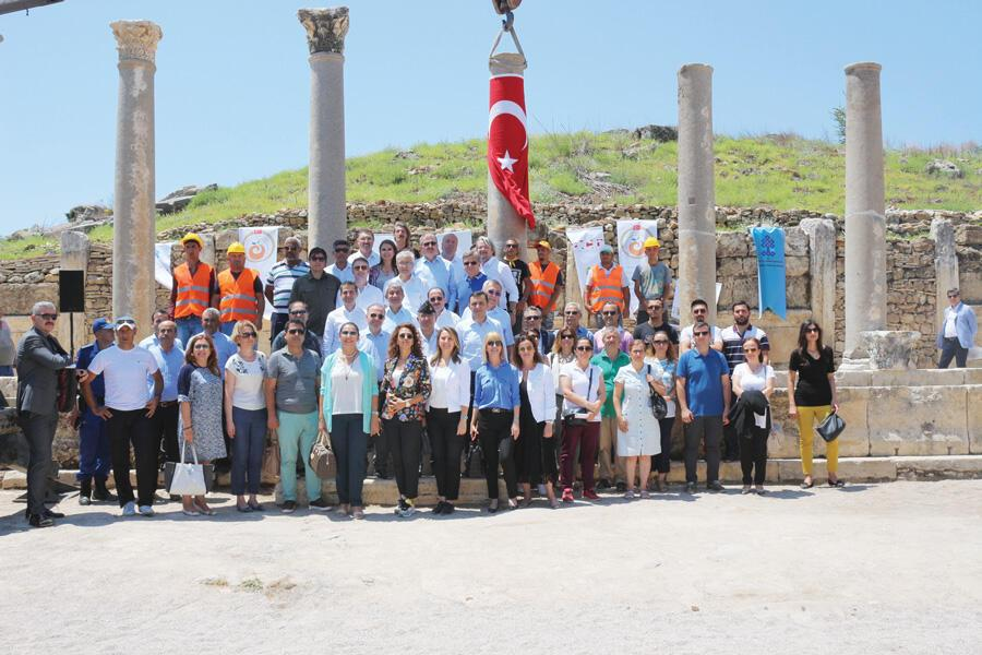 ATAV honors sponsors of ancient columns' restoration