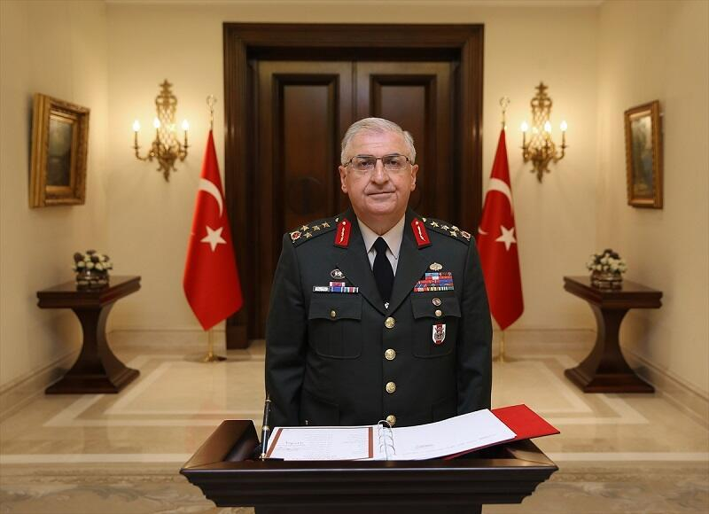 Turkeys new top soldier appointed by first presidential decree