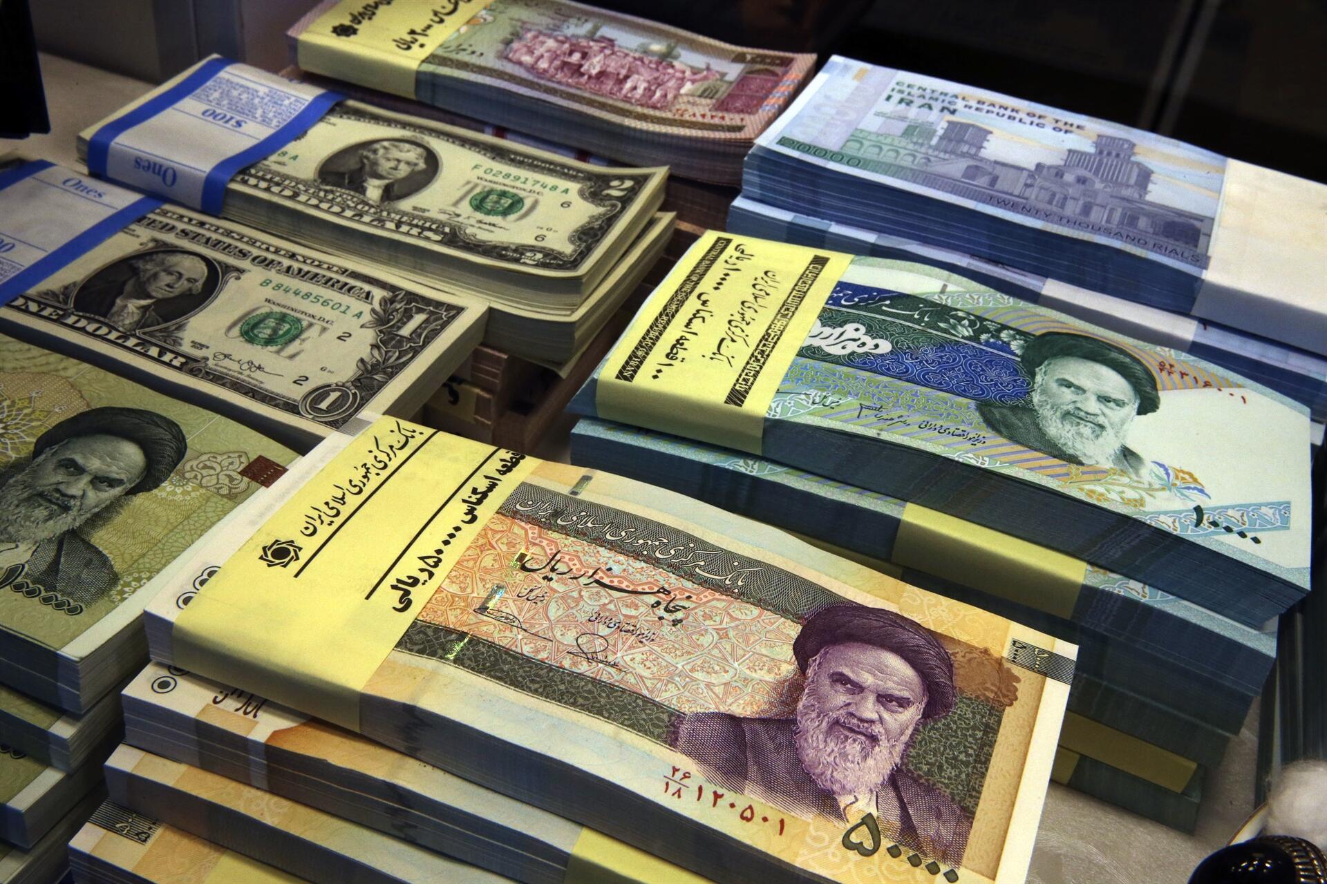 Iran Woos Local Investors As Us Sanctions Loom Currency Falls