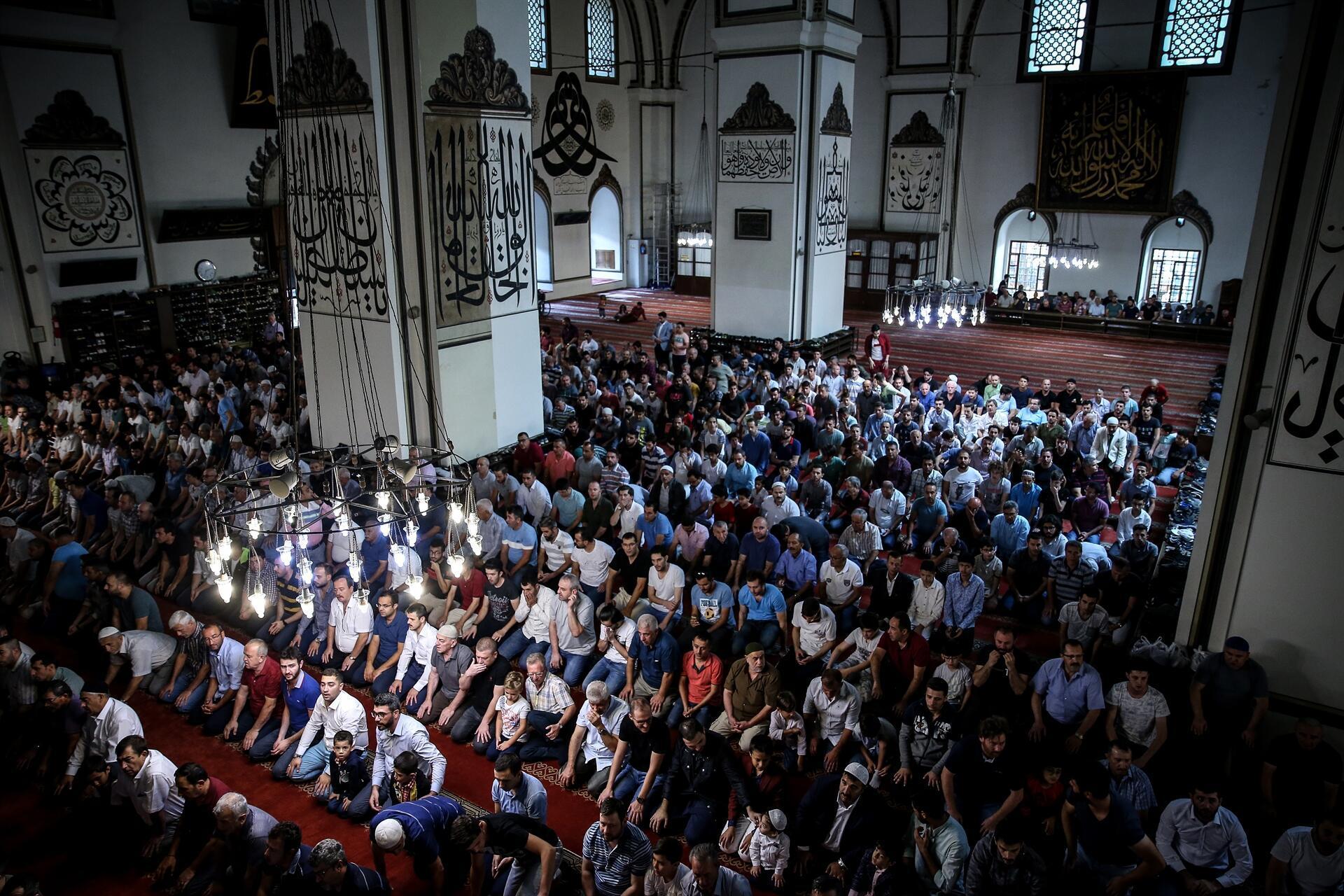 Turkey celebrates Islam's holy Feast of Sacrifice - Turkey News