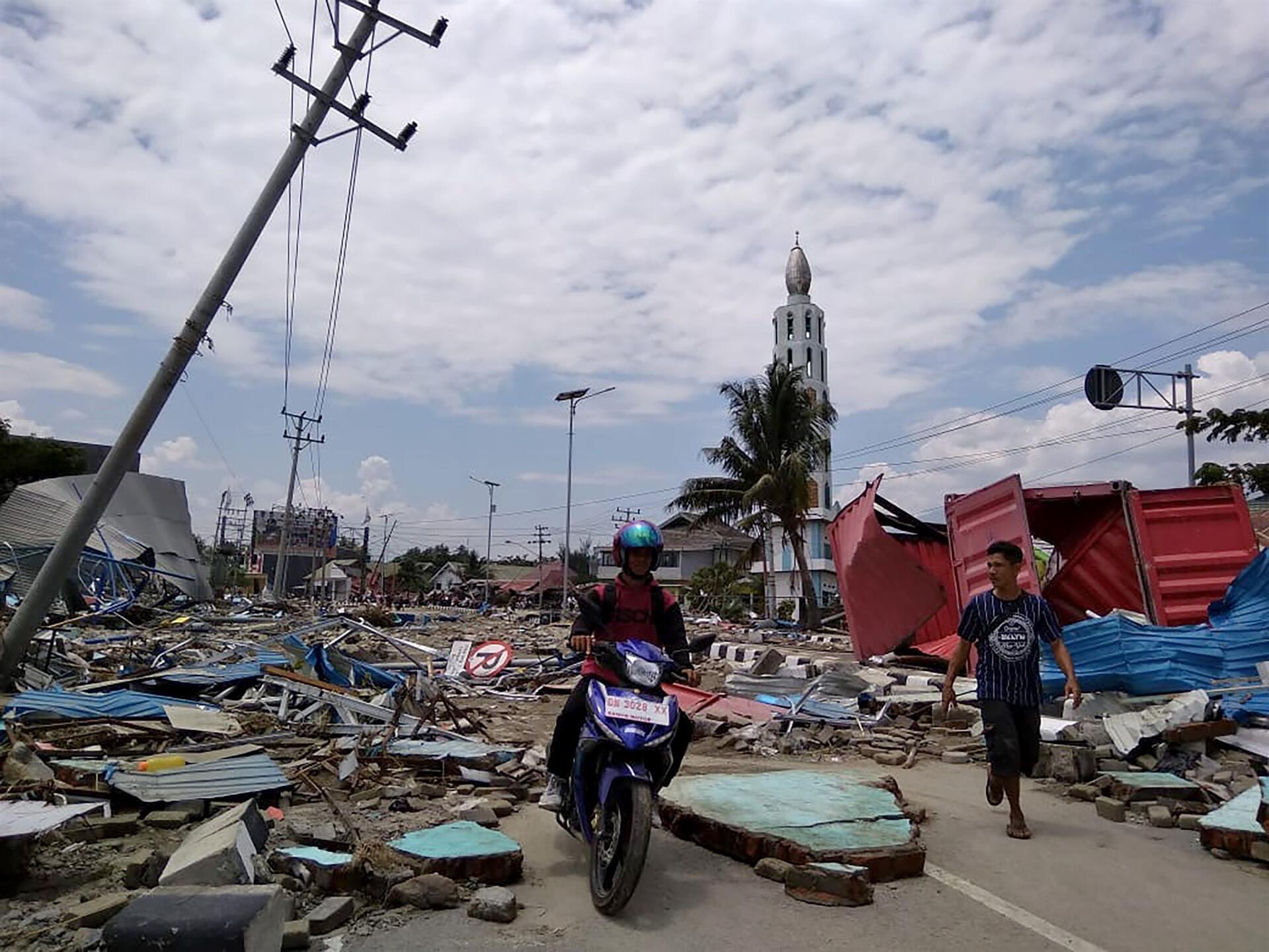 Earthquake and tsunami in indonesia