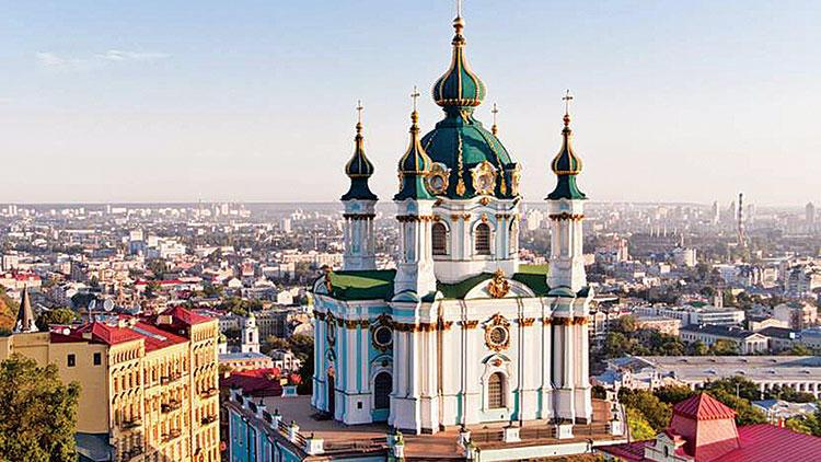 russian orthodox church bans citizens from visiting churches in