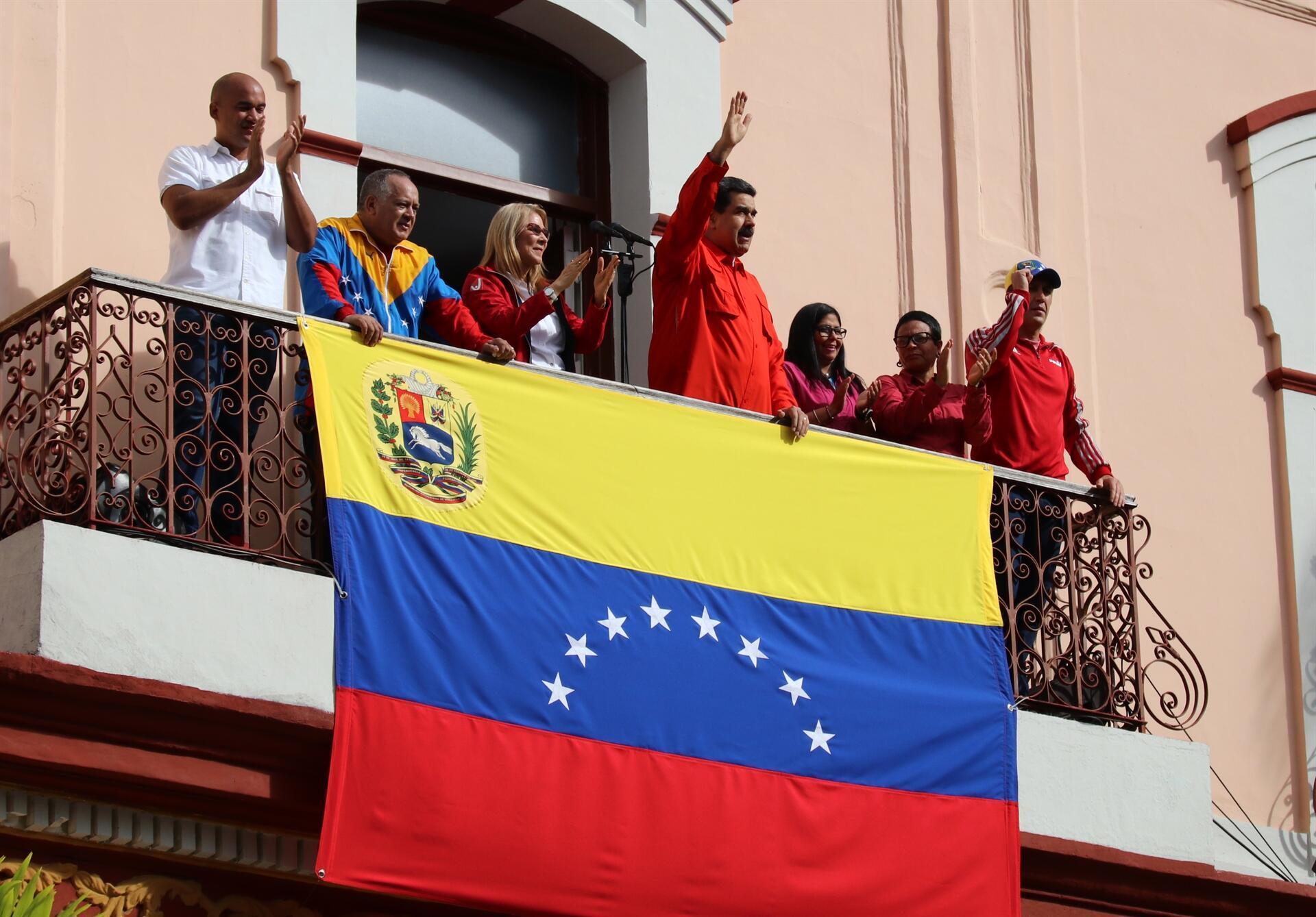 Maduro brother, stand tall, Erdoğan tells Venezuelan president after US move