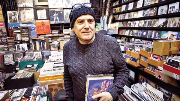 Collectors of rare vinyl LPs find treasure trove in Turkey