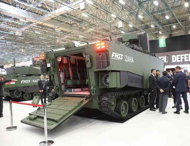 Турецкая конструкторская компания представила новый десантный автомобиль-амфибию ZAHA