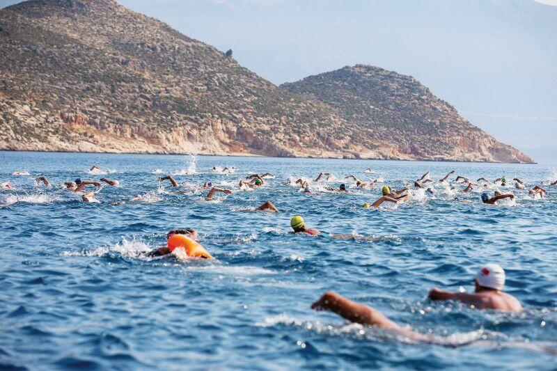 Swimmers race for friendship between Greece and Turkey