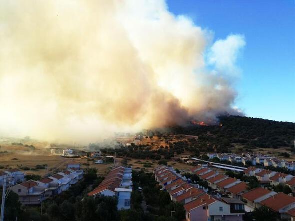 Fires devour land in western Turkey - Turkey News