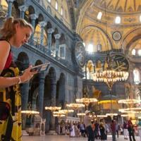 Istanbul receives record 5.5M tourists this year - Turkey News