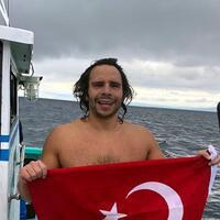 Turkish swimmer cross Tsugaru Strait in Japan
