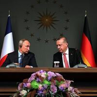 Erdoğan urges Putin to rein in Syria, end human crisis
