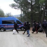 Turkey nabs nearly 2,200 irregular migrants last week