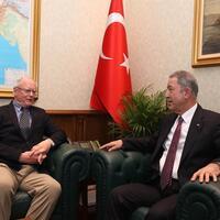 Turkish defense minister meets US envoy for talks on Idlib