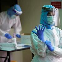 Latest on the coronavirus: Global death toll tops 33,000