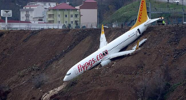Plane skids off runway in Turkey's Trabzon airport