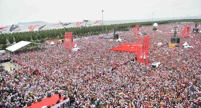 CHP candidate İnce promises 'different tomorrow' at final rally on eve of elections