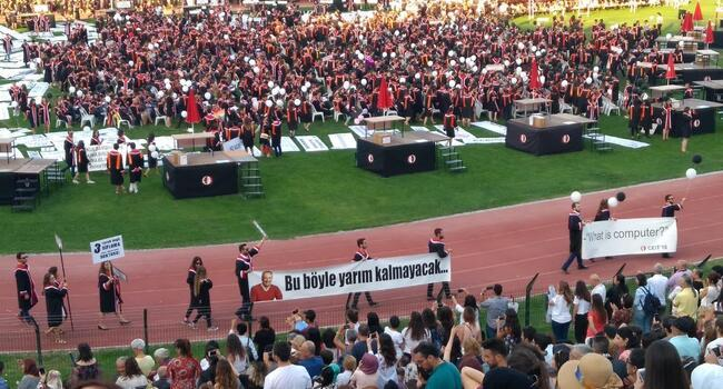 Three university students detained over placards insulting Erdoğan: Prosecutor
