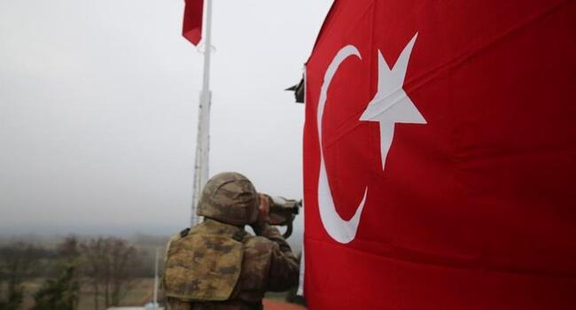 Greece returns 2 Turkish soldiers at border