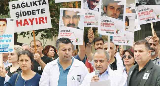 60,000 Turkish medical personnel subjected to violence in last 5 years: Report