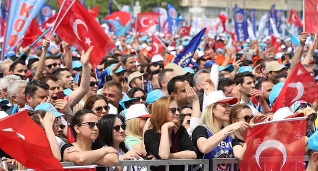 Thousands mark May Day in Turkey