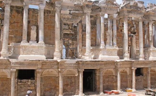 Ancient stage in Aegean province brought back to life for art performances