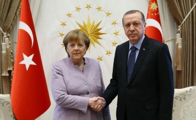 Turkish president, German chancellor speak on phone