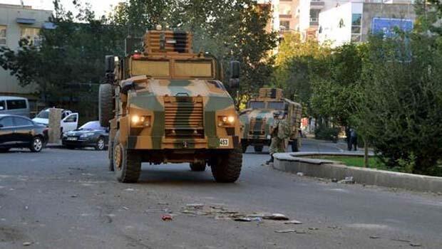 Siirt'te polis karakoluna saldırı