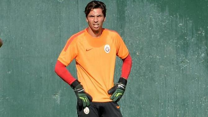 Galatasaray'da 2 ayrılık daha