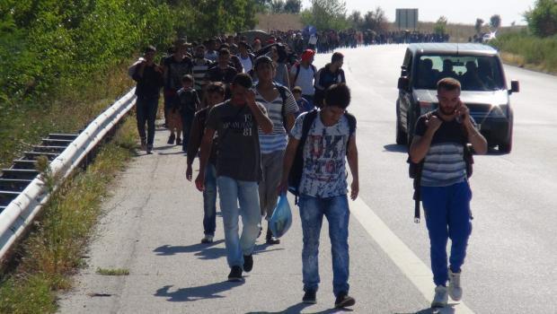 Suriyeliler Avrupa'ya gitmek için Edirneye akın etti