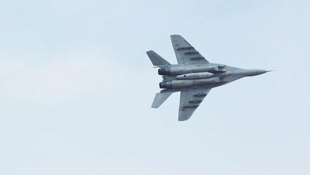 Lübnan: İsrail savaş uçakları hava sahamızı ihlal etti
