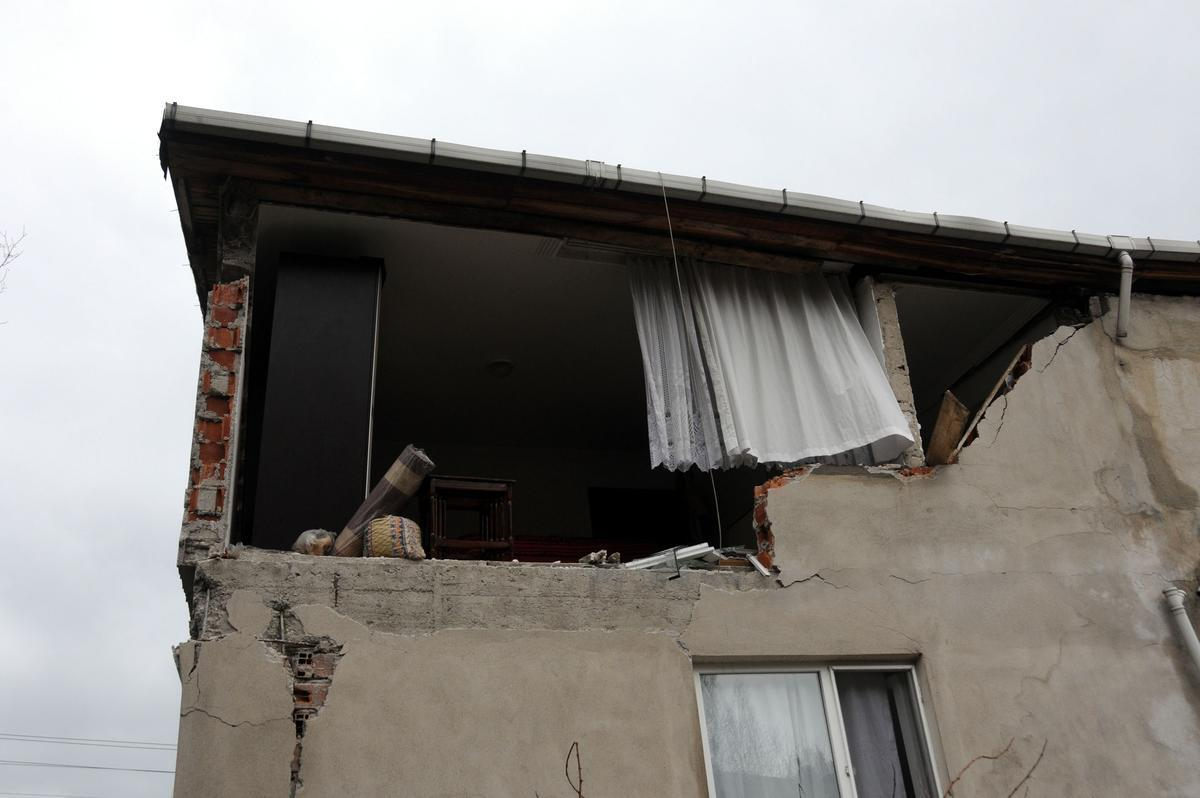 Apartmanda pencere parçası nasıl yıkılır