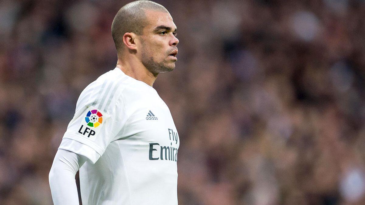 Cristiano Ronaldonun oğlu. Çocuğu kim getirir