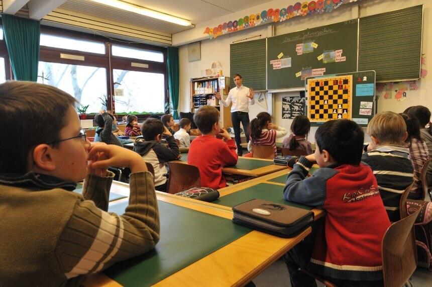 Almanya da öğrenci sayısı 1 milyon artacak