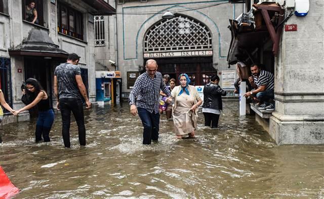 Sağanak fırtına dolu İstanbul'u neden bu kadar şiddetli vurdu