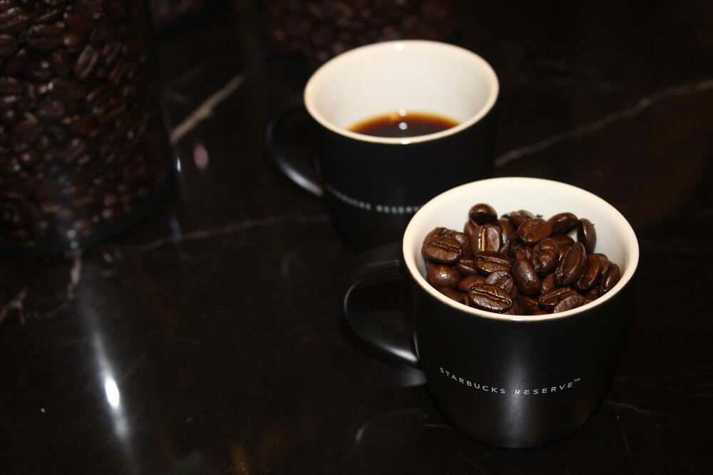 Fakir aileden çıktı burs aldı! 65 ülkede 21 binden fazla şubesi olan kahve zincirini yarattı...