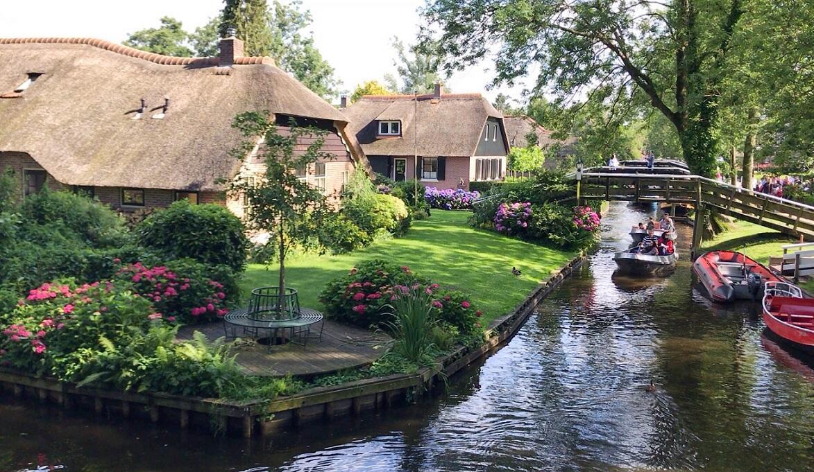 Kuzeyin Hobbit köyü: Giethoorn